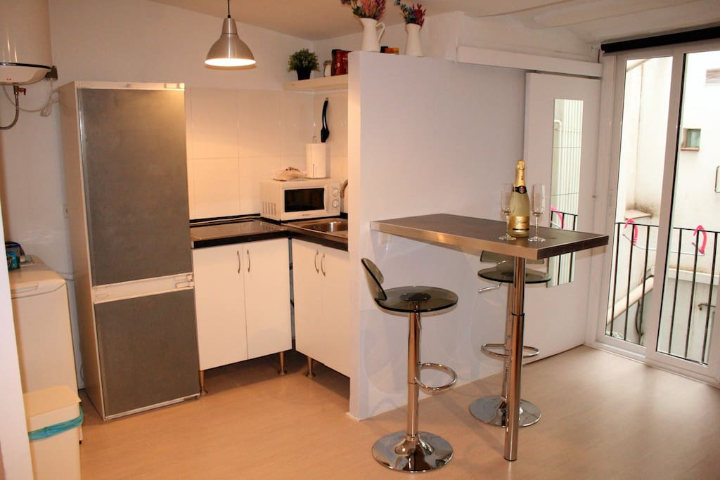 Kitchen area and high table