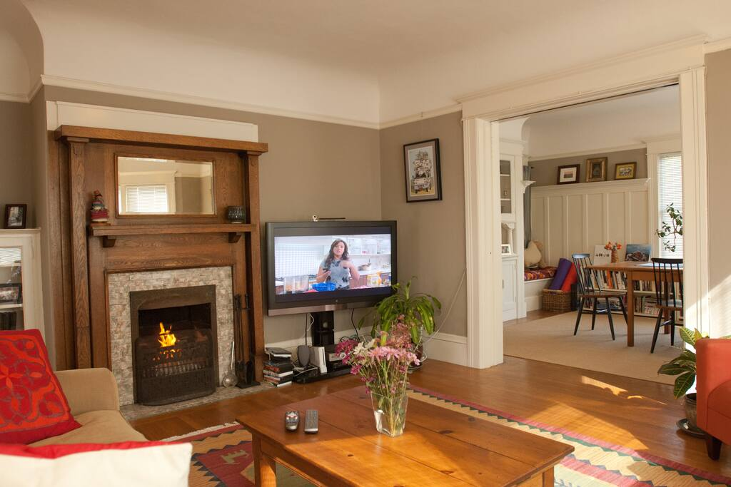 Working fireplace and cable TV