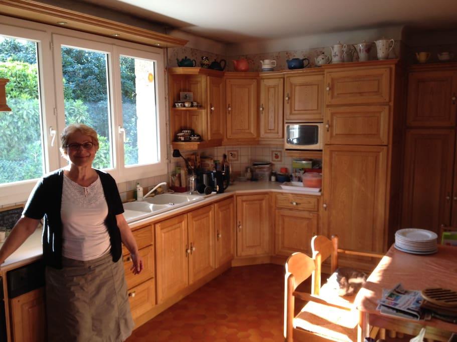 Claude dans sa cuisine !