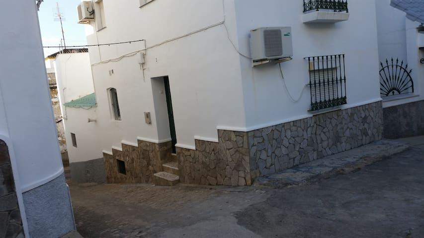 Casa de pueblo en la sierra gaditana - Alcalá de los Gazules - Huis