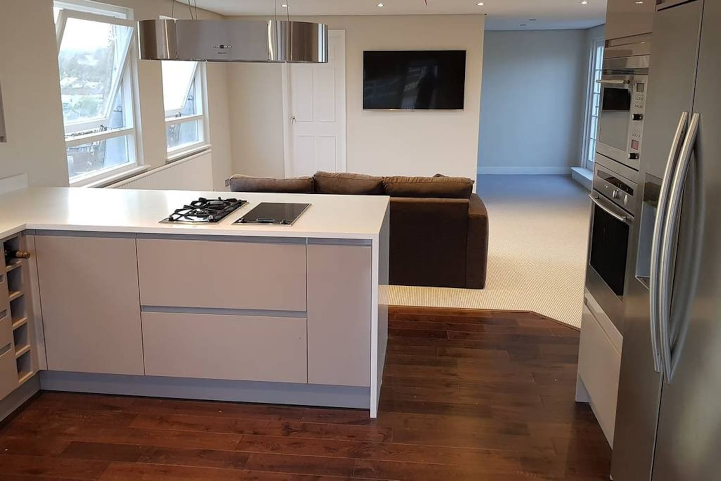 Kitchen into lounge