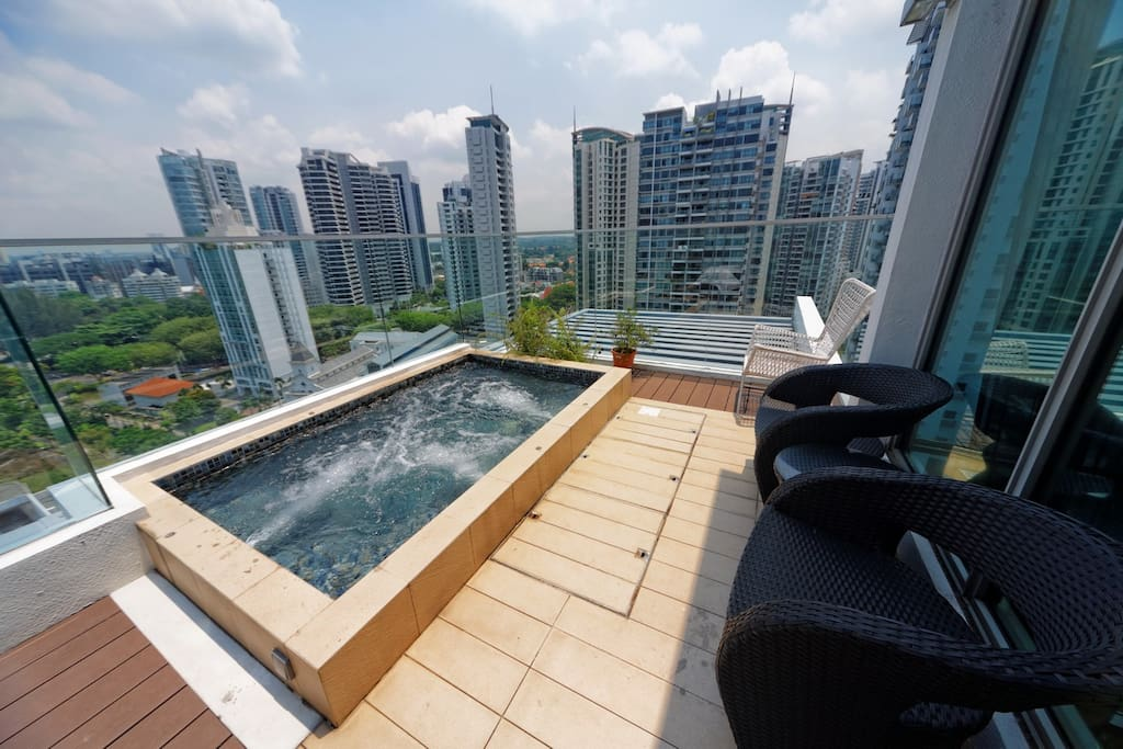 Unique Outdoor jacuzzi
