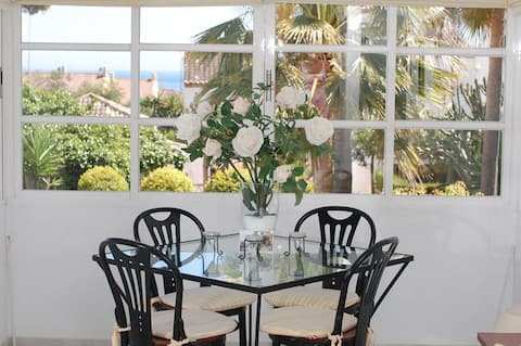 Charming Townhouse in Costabella
