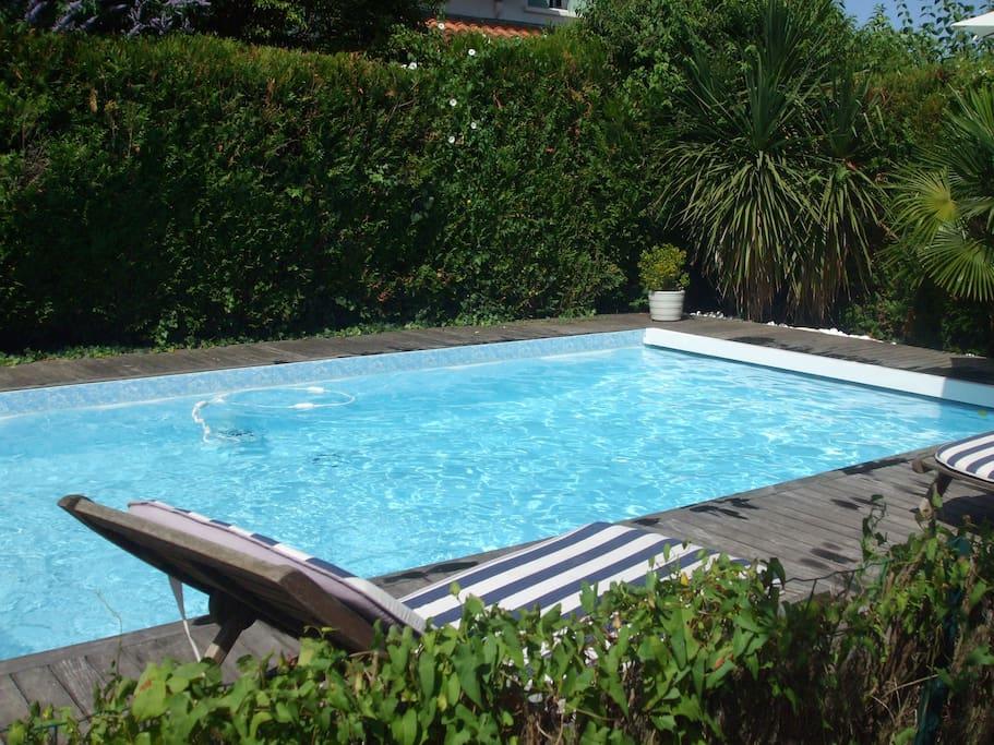 Maison 230m2 piscine proche plage maisons louer for Piscine bayonne