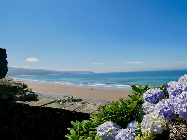 Splendid Seaview Suite in Beach House Cardigan Bay