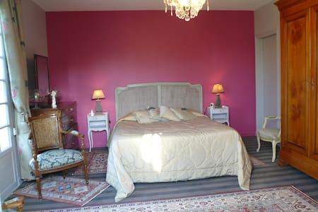 Chambre 1 au rdc  lit de 160 - Saint-Briac-sur-Mer