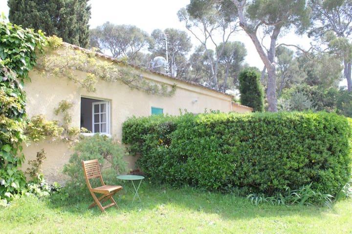 petite maison indépendante au brusc - Six-Fours-les-Plages - Haus