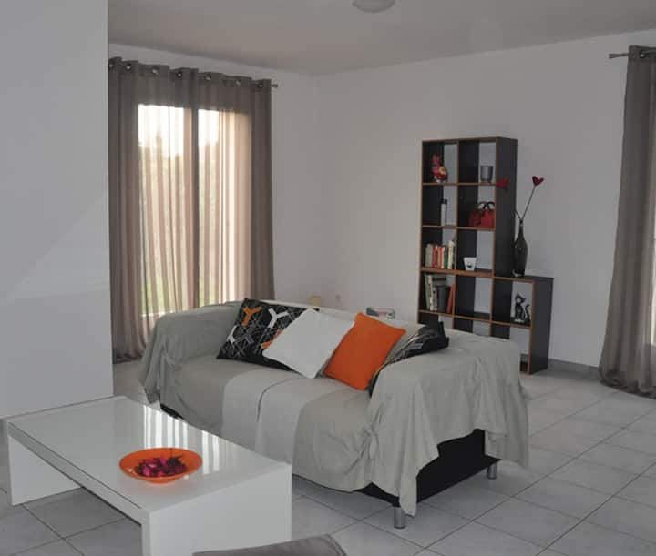 Comfortable villa - sleeps 4
