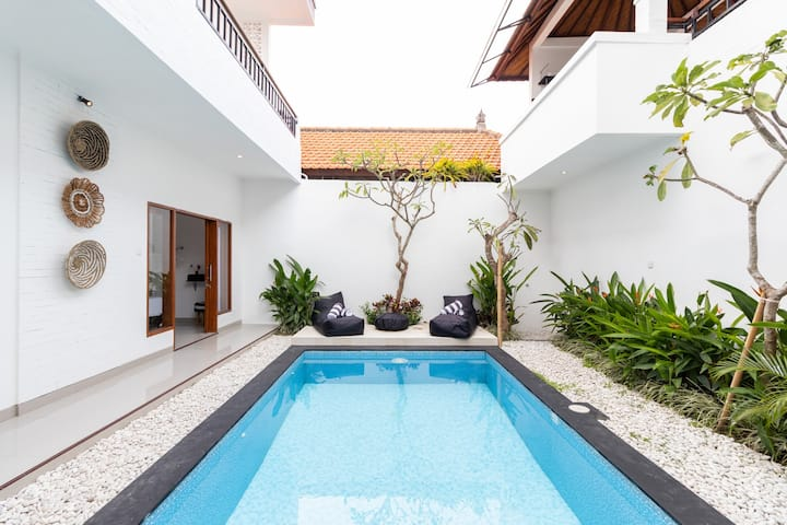 4BR Villa Kubu Canggu - Weekly and Monthly DEAL!