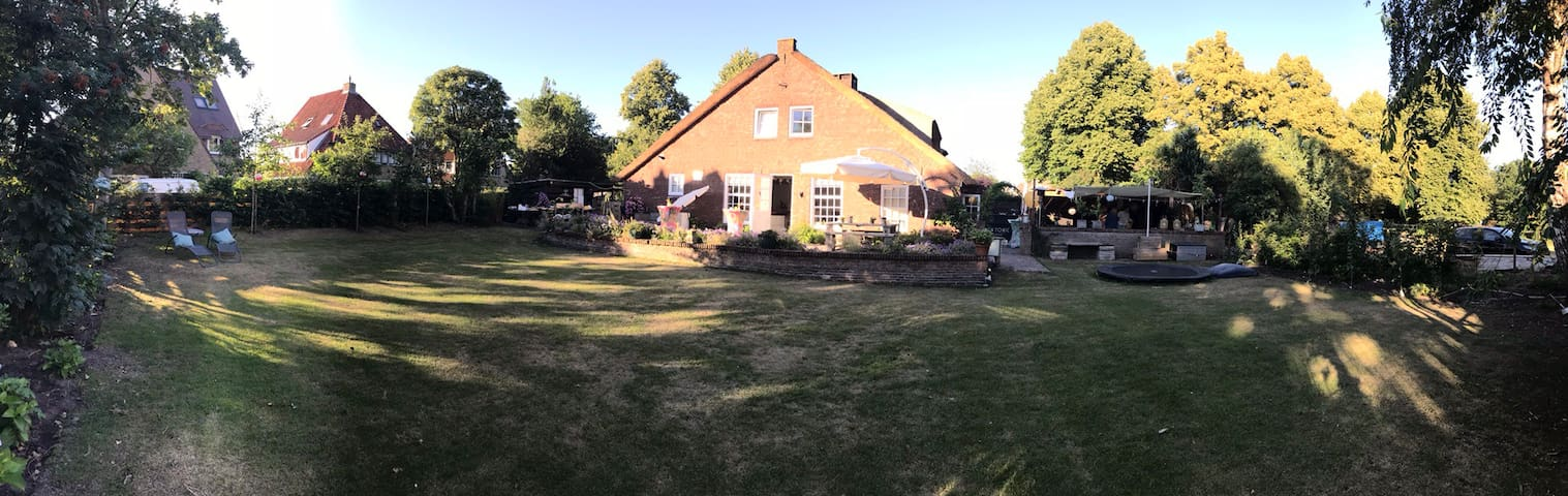 Lovely Cottage in the beautiful village of Laren