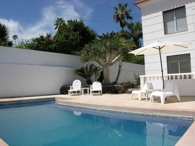 VILLA ESPECTACULAR+BBQ+POOL+WIFI