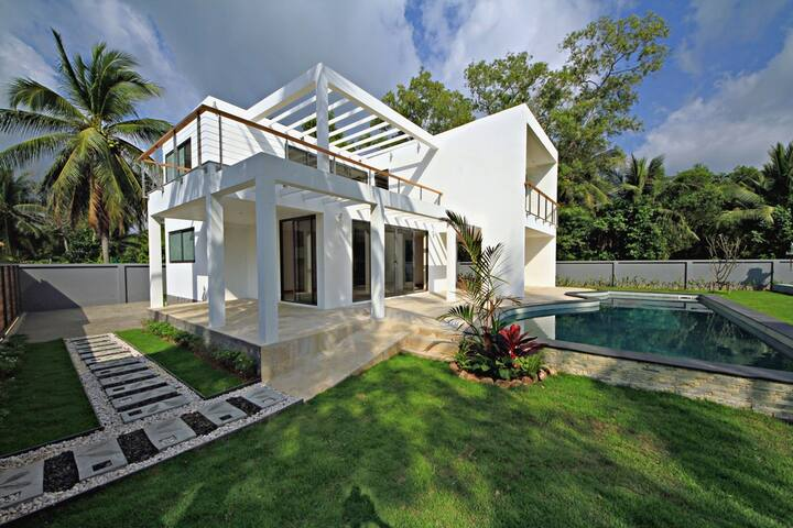 Villa Leto - Beach, Pool, Free car!
