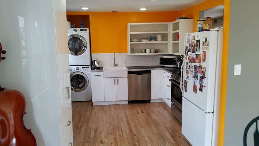 Modern And Light 2 Bedroom Apartments For Rent In Boulder Colorado United States