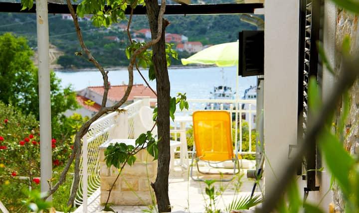 Vacation House Mico, Vinisce bay