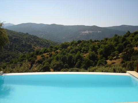 Villa con wifi, jardines y piscina privada