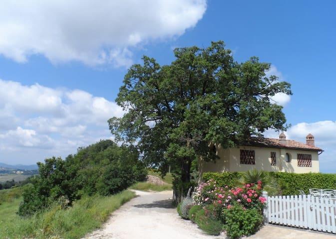 Casa libera con mozzafiate viste e piscina privata - Lucardo - Villa