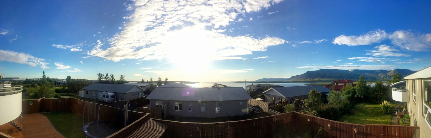 Large and beautiful house with an amazing view! - Reykjavík - Hus