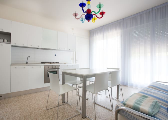 SPACIOUS FLAT IDEAL FOR FAMILIES 6P - Lido di Iesolo - Квартира