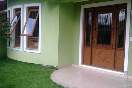 Rooms for Rent.World Cup 2014 - Porto Alegre - House