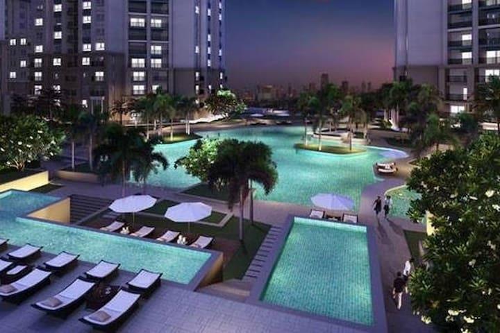 BEST 3 BR/SUPER  VIP/ Big POOL/Metro/WIFI - Huakwang - Apartamento