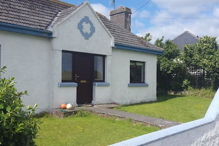 Cottage next to Golf Club Rosses Point