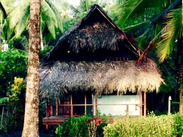 Beachfront Bungalow - 25% off in April - October