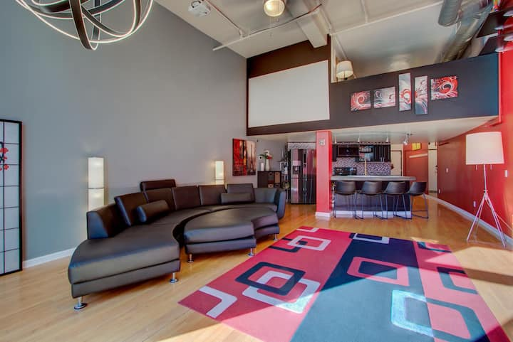 Best Location HUGE 1 bedroom loft