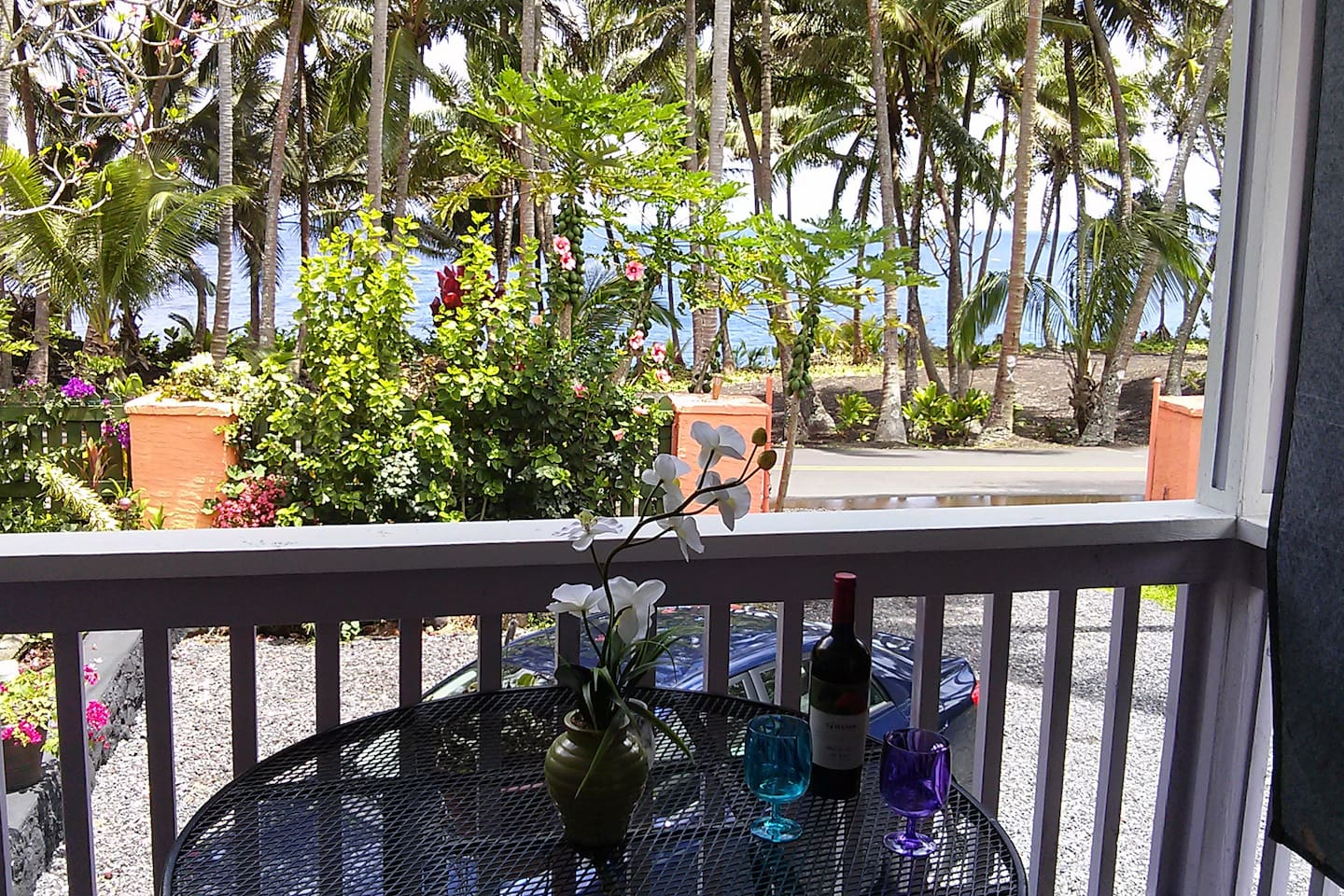 Picture yourself on this lanai watching the whales go by while sipping a glass of wine and listening to the waves crashing on the cliffs.