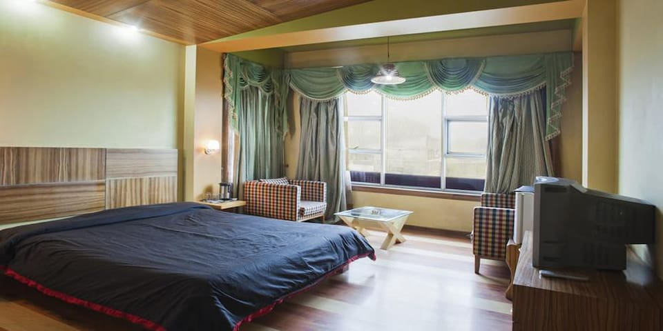 Comfortable stay only at Deluxe @ Jammu&Kashmir