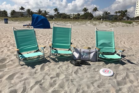 2 miles to Atlantic Ave and 4 miles - Delray Beach  - Huis