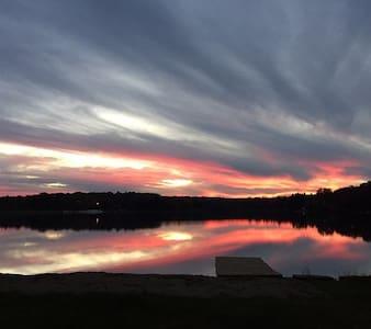 Penn Lake Park - Poconos Lakefront Getaway - White Haven - Hus
