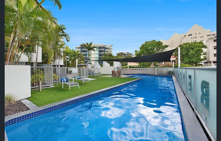 Beach Club Mooloolaba - Rooftop Unit 470