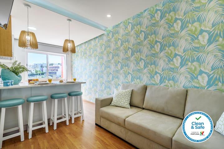 Paço d'Arcos Apartment | Beach | Train | Wi-Fi