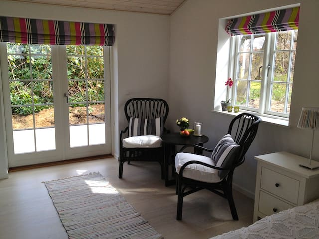 Cosy new annex near beach - Hornbaek - Penzion (B&B)