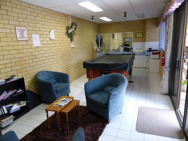 Quality Budget Accommodation - Lismore (Goonellabah) - Pensió