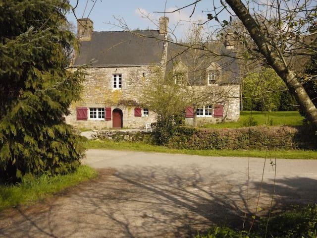 Maison de caractère, campagne Morbihan - Plumelec - Ház