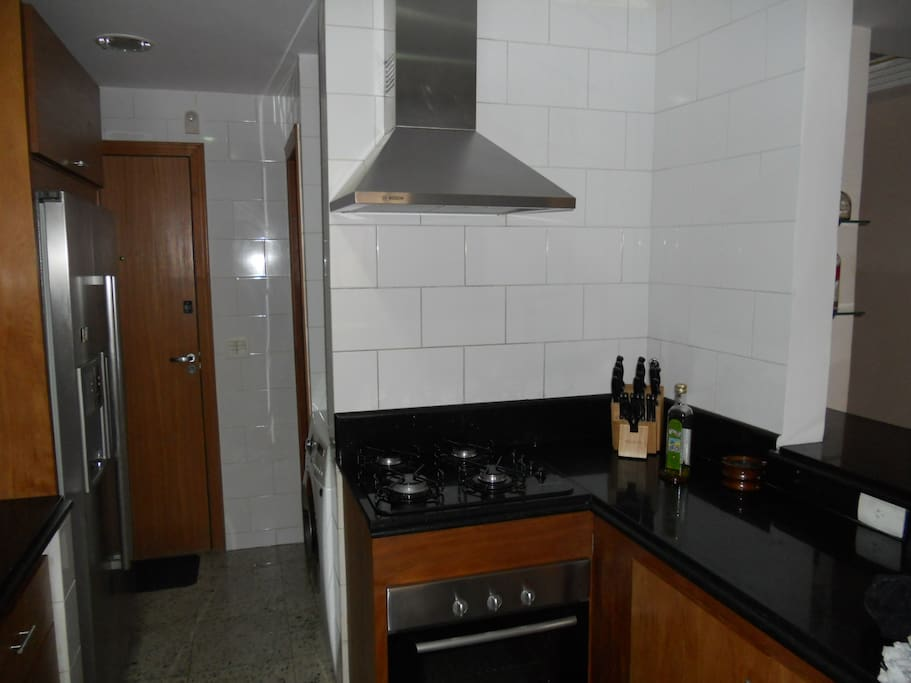 Another photo of part of the kitchen
