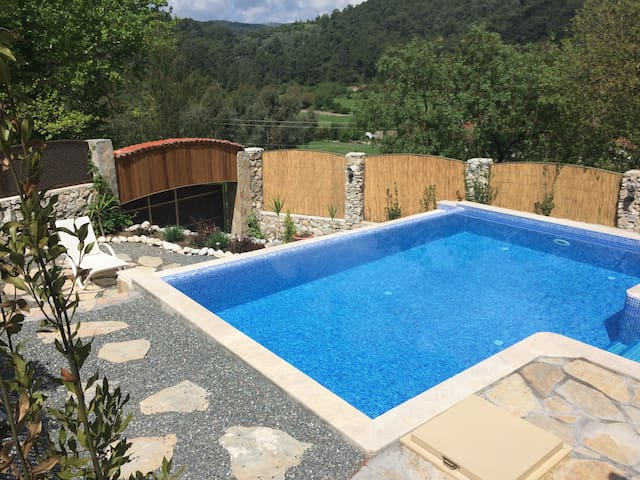 Beautiful, Secluded Private Villa and Pool - Çıtlık Köyü - Casa de camp