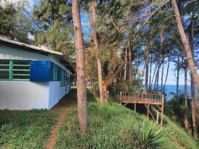 Seabatical, Beach and Forest house, private beach