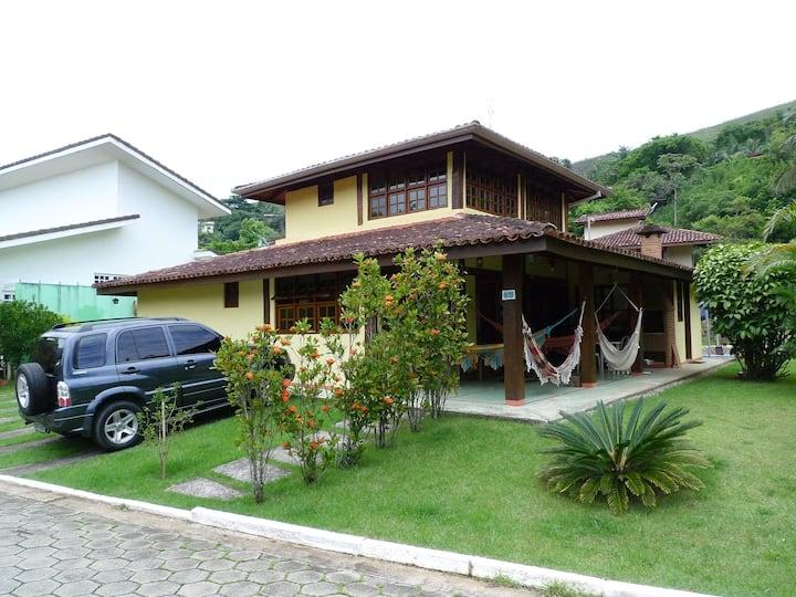 Casa em condomínio Pauba, um Vilarejo.