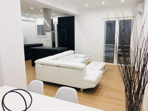Luxury Minimal apartment  at center Glyfada