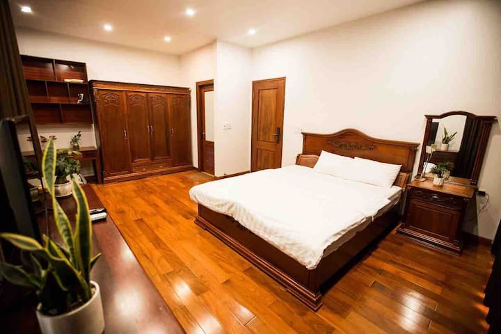 LUXURY 45 sqm ROOM- IN THE HEART OF HA LONG CITY