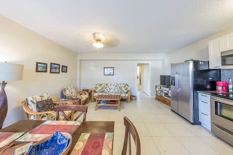 One Bedroom Apartment In The Heart Of Waikiki!