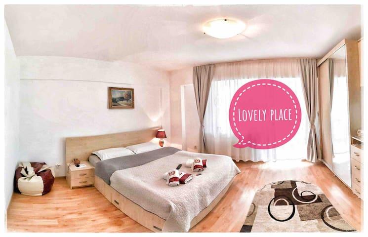 Lovely place & lovely town - regim hotelier