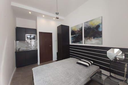 manufaktura Apartament.  elegant studio