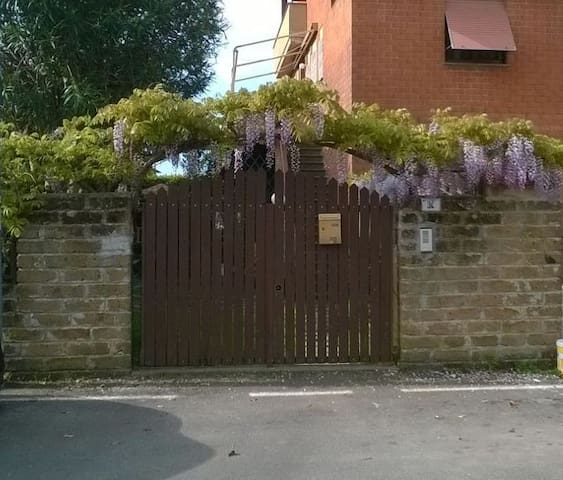 The Wisteria House - Cerveteri - Huis