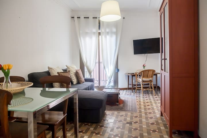 Nice and Spacious aparment & Great location!