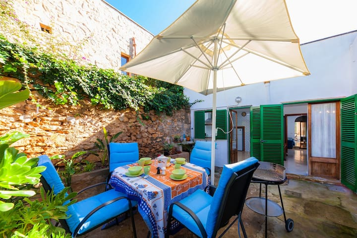 Town house with idyllic courtyard - Casa Padrina