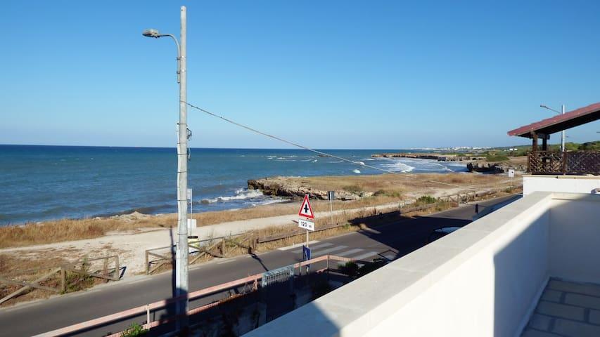 Appartamento in villa con terrazza sul mare - Torre Specchia Ruggeri - Vila