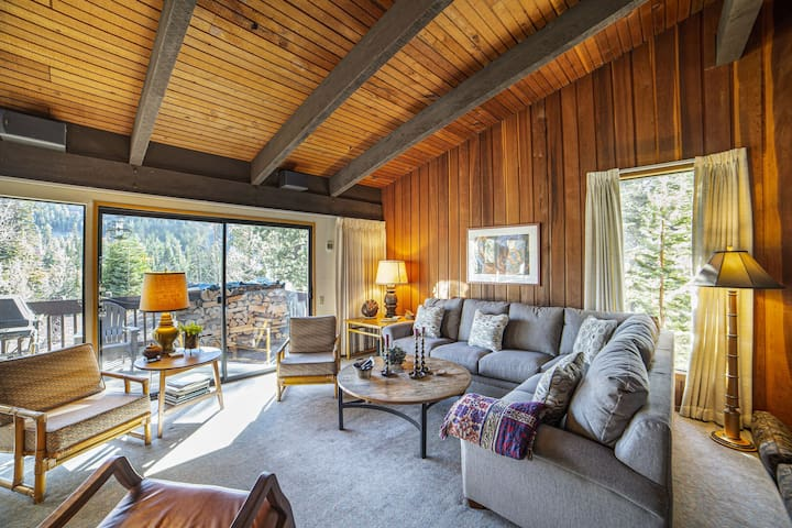 4 Bedroom Home with Views on the Ski Back Trail at Canyon Lodge!